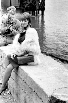 Sophia Loren filming 'The Millionairess' at London Bridge, 1960.