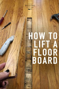 Cat pee on your hardwood? One board mangled after an axe throwing party mishap? Here's how to lift a single board from your tongue and groove flooring without wrecking the board or any of the boards around it. Painted Wood Floors, Refinishing Hardwood Floors, Diy Flooring, Flooring Options, Laminate Flooring, Hardwood Floor Repair, Home Fix, Diy Home Repair, Home Repairs