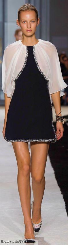 Giambattista Valli Spring Summer 2015 Ready-To-Wear
