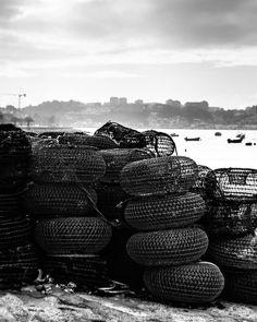 Os trabalhos do rio Douro #oporto #porto #foz #douro #douroriver #river #fishing #fishingnet #oporto #p3p #igersporto #iloveporto #iloveportugal #ilovedouro #ilovefoz #blacknwhite #bnw #blackandwhite #contrast by the_red_nose_reindeer