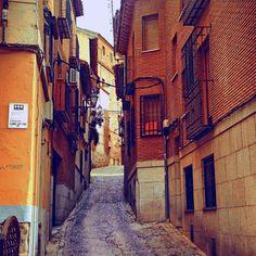 Me encanta perderme por las calles de Toledo