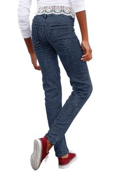 Produkttyp , Jeans, |Qualitätshinweise , Hautfreundlich Schadstoffgeprüft, |Materialzusammensetzung , Obermaterial: 75% Baumwolle, 24% Polyester, 1% Elasthan, |Material , Jeans, |Materialeigenschaft , Elastisch, |Farbe , dark blue, |Passform , schmale Form, |Beinform , schmal, |Beinlänge , lang, |Leibhöhe , etwas niedriger, |Bund + Verschluss , Druckknopf bis Gr. 134, verstellbarer Innen-Gummiz...