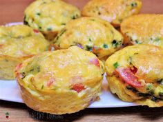 These egg muffins can be prepared quickly and are perfect for the daily breakfast at work. Simple Muffin Recipe, Healthy Muffin Recipes, Healthy Muffins, Healthy Protein, Donut Recipes, Baby Food Recipes, Omelette Muffins, Baby Muffins, Easy Desserts