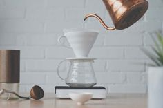 The different coffee-brewing methods: Chemex, Aeropress, French Press, Siphon etc. Coffee Mix, Pour Over Coffee, Great Coffee, Coffee Dripper, V60 Coffee, Coffee Brewing Methods, Acrylic Tube, Coffee Review, Different Coffees