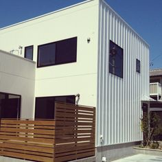 Entrance/ゼロキューブ…などのインテリア実例 - 2015-07-07 15:58:48 Tin Siding, Facade Design, Brewery, Terrace, Cube, Garage Doors, Shed, Exterior, Outdoor Structures