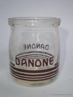 ANTIGUO ENVASE YOGUR *DANONE* SERIGRAFIADO, MARCA Y RAYAS COLOR MARRÓN (Botellas, Cajas y Envases - Botellas Antiguas)