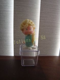 Caixinha acrílica - Elsa (Frozen) Ateliê Juliana de Sá e-mail: julianah.sa@hotmail.com