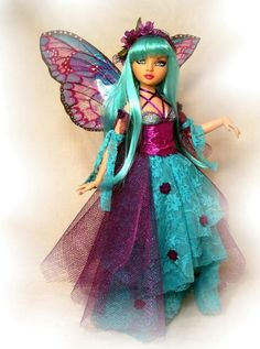 🌺For more great pins go to Fairy Statues, Fairy Figurines, Beautiful Fairies, Beautiful Dolls, Fairy Paintings, Mermaid Fairy, Fairy Pictures, Doll Repaint, Pretty Dolls