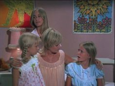 Brady Bunch Girls | Design Remembrance: The Brady Bunch House | Apartment Therapy