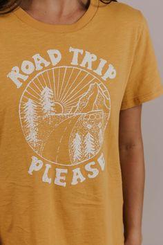 80f4206fff2fc0 Road Trip Graphic Tee - Vacation Tee   ROOLEE Capsule Wardrobe, Graphic Tees,  Road