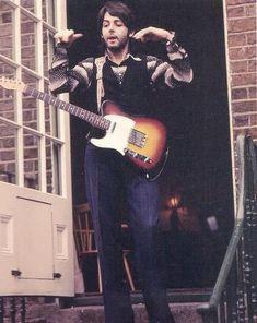 Paul w/Fender Telecaster Paul Mccartney, Beatrice Mccartney, Liverpool, The Quarrymen, Les Beatles, Beatles Guitar, Telecaster Guitar, Beatles Photos, It's All Happening