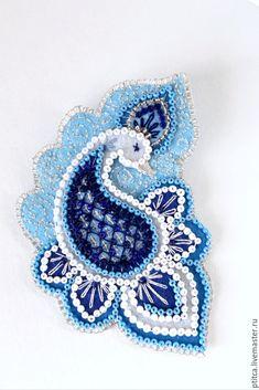 Купить Брошь Царевна Лебедь - голубой, фетровая брошь, царевна лебедь, лебедь, гжель