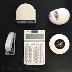 Looove my new items for my desk #love #stationery #white #amazon #casio #petrus #sigel #scotch #office #newin #whitetheme #blackandwhite #stationery #oficina #materialoficina #ofi #blanco #instawhite #instapic #instaday #igers #stationerylove  ▪️PETRUS 226 GR > http://amzn.to/2kaME6Y ▪️PETRUS 52 TR > http://amzn.to/2lvSHiz ▪️CALCULADORA CASIO > http://amzn.to/2kWzB93 ▪️CELO SCOTCH > http://amzn.to/2kaO9SA ▪️CLIPS SIGEL > http://amzn.to/2kbY7OZ