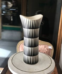 Linnea Lehtonen Kupittaan savi Nordic Design, Scandinavian Design, Lassi, Planter Pots, Nostalgia, Pottery, Ceramics, Retro, Simple