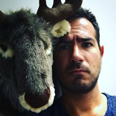 Pas content le Renni ! #rennes #deco #selfie #instadaily #picoftheday #guy withreindeer