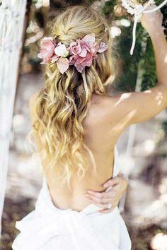 NavegaçãoEstilo BohoMinimalistaDe ladinhoMuito brilhoFlores em vocêTrançasVéu ainda está na moda?Penteados que combinam com véu4 curiosidades sobre o véuTestar o penteado é essencial!Como escolher o penteado ideal para mim?Cabelos de noivas para 2017: saiba todos os penteados da moda para o grande dia! O grande dia está chegando e você ainda tem dúvidas de como ficar … #weddinghairstyles
