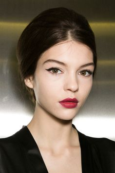 Berry lip | Beauty, 2014. A beautiful classic look which I used a lot in my 20's and should revisit.
