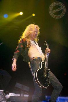 Steve Clark Guitarist   photos-Steve-Clark-foto-guitarist-gruppi-Def-Leppard