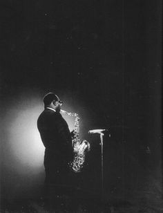 James Moody in Amsterdam, 1966. Photo by Piter Doele, scanned from the book Swartwite Tiden.