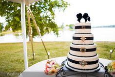 Great Cake Topper - Kissing Silhouette - Cake Shot - Wedding Cake - Wedlock Images » Blog