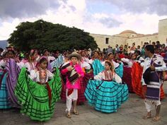A huge cultural event in the Mexican festival calendar, La Guelaguetza involves re-enactments of legends and celebrates traditional music, dance, costume, craft and gastronomy from the eight regions in the state of Oaxaca.