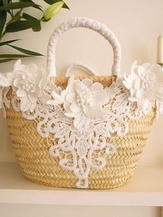 Embroidery Flowers Pattern, Embroidery Bags, Flower Patterns, Homemade Bags, Shabby Chic Art, Sewing Case, Lace Bag, Potli Bags, Creation Couture