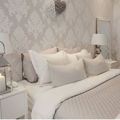 I miss home already.own bed is one of the best things in life 😙🐑🛏 Home Decor Bedroom, Modern Bedroom, Interior Design Living Room, Master Bedroom, Home Wallpaper, Beautiful Bedrooms, Decoration, Anna, Interior Inspiration