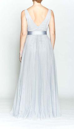 816d18fffccd 8 skvelých obrázkov z nástenky Sivé spoločenské šaty