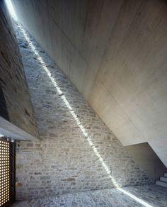 Casa en Brione / Wespi de Meuron Texturas de piedra enjabelgada Luz cenital