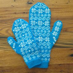 Ravelry: Mommy and Me Frozen Mittens pattern by Kat Lewinski