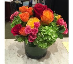 Roses in Vogue in Princeton, Plainsboro, & Trenton NJ, Monday Morning Flower and Balloon Co. Rose Flower Arrangements, Floral Centerpieces, Centerpiece Ideas, Peach Flowers, Send Flowers, Balloon Flowers, Same Day Flower Delivery, Flowers Delivered, Morning Flowers