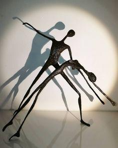 Retrouvez-moi à la Bellevilloise pour le grand salon d'art abordable, du 17 au 19 février ! Vendredi 17 : 14h/20h30 Samedi 18 : 11h/20h30 Dimanche 19 : 11h/20h30 19-21 rue Boyer 75020 Paris A très vite #art #paris #bellevilloise #sculptures