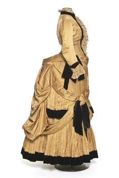 1884-86 Dress, surah silk & velvet | Documentation Center Museum - Les Arts Décoratifs