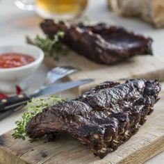 Una receta fácil y sabrosa de costillas de cerdo ahumadas. Puedes encontrar la receta detallada en: http://www.liskomarket.com/es/48-costillas-de-cerdo-ahumadas-con-salsa-de-ar%C3%A1ndano-rojo.html