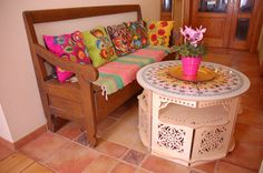 My name is Koronka. I'm a table from FICASSO Furniture from imagination. More on...ficasso.eu