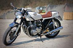 Kawasaki Z650. Love the white.