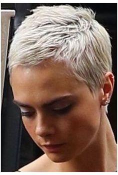 Women Pixie Haircut, Short Pixie Haircuts, Straight Hairstyles, Haircut Short, Boy Haircuts, Modern Haircuts, Short Grey Hair, Very Short Hair, Short Hair Cuts For Women