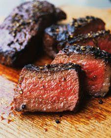 Roasted Beef Tenderloin Recipe Think Food, I Love Food, Beef Recipes, Cooking Recipes, Cooking Tips, Jerky Recipes, Game Recipes, Top Recipes, Meat Recipes