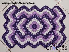 Carine Strieder e seus Crochês: Tapete Geométrico com três cores em Crochê