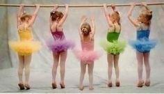 l lavoro proposto nel corso propedeutico di avviamento alla Danza Classica è stato per pensato per i piccoli danzatori in erba, che manifestano un interesse verso il movimento in sè della danza e a cui si desidera dare un'impronta di studio orientato verso la Danza Classica. #danzaclassica #danza #classica