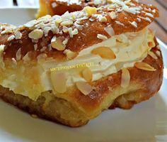 Greek Pastries, Greek Desserts, Savarin, Happy Foods, Doughnut, Food To Make, French Toast, Yummy Food, Yummy Recipes