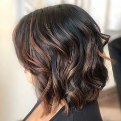 Hair art 19 Hottest Black Hair with Highlights Trending in 2019 Lob Cut with Copper Highlights Black Hair With Brown Highlights, Hair Color For Black Hair, Brown Hair Colors, Hair Highlights, Copper Highlights, Blonde Light Brown Hair, Brown Hair Balayage, Light Hair, Ombre Hair