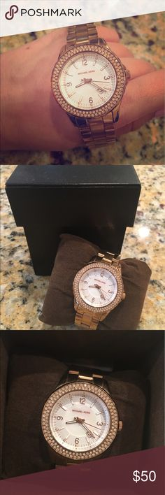 Rose gold Michael Kors watch Rose gold MK watch with original box, minimal wear Michael Kors Accessories Watches