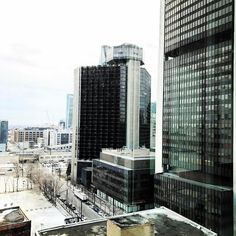 Vu de malade #photooftheday #montreal #mtl #mtlpromos #mtlmoments #mtllife #work #mtlphoto #mtlshot #instagood #motivation #office #toronto #vancouver #ottawa #montréal #narcitymontreal #qc #canada