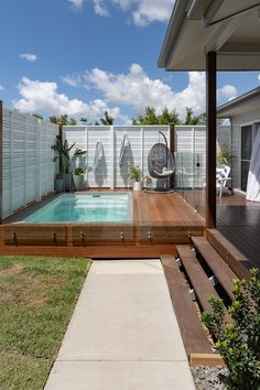 Backyard Pool Landscaping, Backyard Pool Designs, Small Backyard Pools, Small Pools, Swimming Pools Backyard, Swimming Pool Designs, Backyard Ideas, Courtyard Pool, Small Swimming Pools