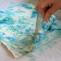 {Dwarf time:} Marbling with shaving cream - Diy and Crafts for Projects Diy For Kids, Crafts For Kids, Children Crafts, Diy And Crafts, Arts And Crafts, Shaving Cream, Food Coloring, Kids And Parenting, Handicraft