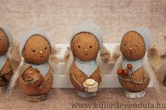 Diómanók Diy Christmas Activities, Christmas Crafts, Christmas Decorations, Christmas Ornaments, Nature Crafts, Fall Crafts, Diy And Crafts, Paper Crafts, Walnut Shell Crafts