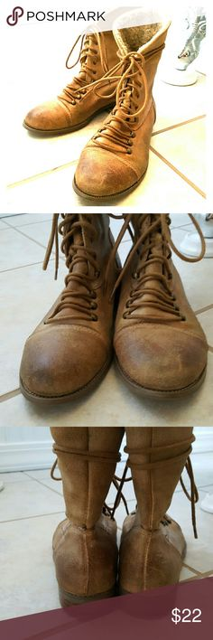 SALEMIZ MOOZ! Selling a Used pair of MIZ MOOZ Boots! They have a lot more wear to go! The leather is in great condition and soles have lots more wear. Size 6.5. Miz Mooz Shoes Ankle Boots & Booties