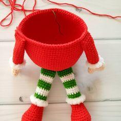 Crochet Flower Patterns, Crochet Flowers, Amigurumi Patterns, Doll Patterns, Free Crochet, Crochet Hats, Crochet Christmas Decorations, Noel Christmas, Learn To Crochet
