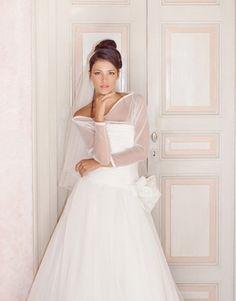 Volete vedere e provare i miei abiti?....dal 10 settembre in Atelier...previo appuntameto. Alessandro Tosetti www.tosettisposa.it Www.alessandrotosetti.com #abitidasposa2015 #wedding #weddingdress #tosetti #tosettisposa #nozze #bride #alessandrotosetti #modasottolestelle #cnms #swissfashiontv